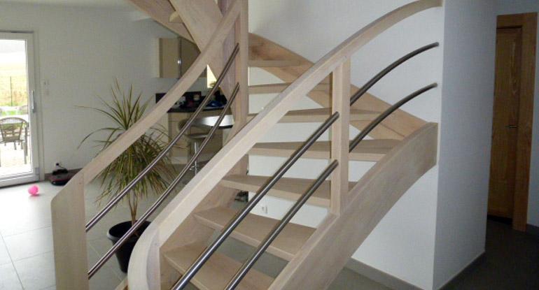 escaliers bois meuse fabrication escalier sur mesure. Black Bedroom Furniture Sets. Home Design Ideas